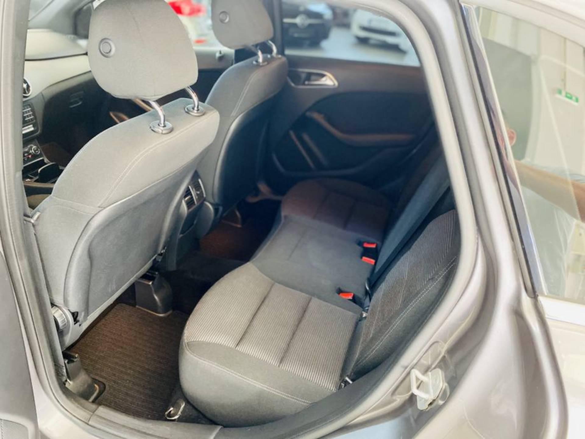 Mercedes-Benz B 180 d STYLE 7G
