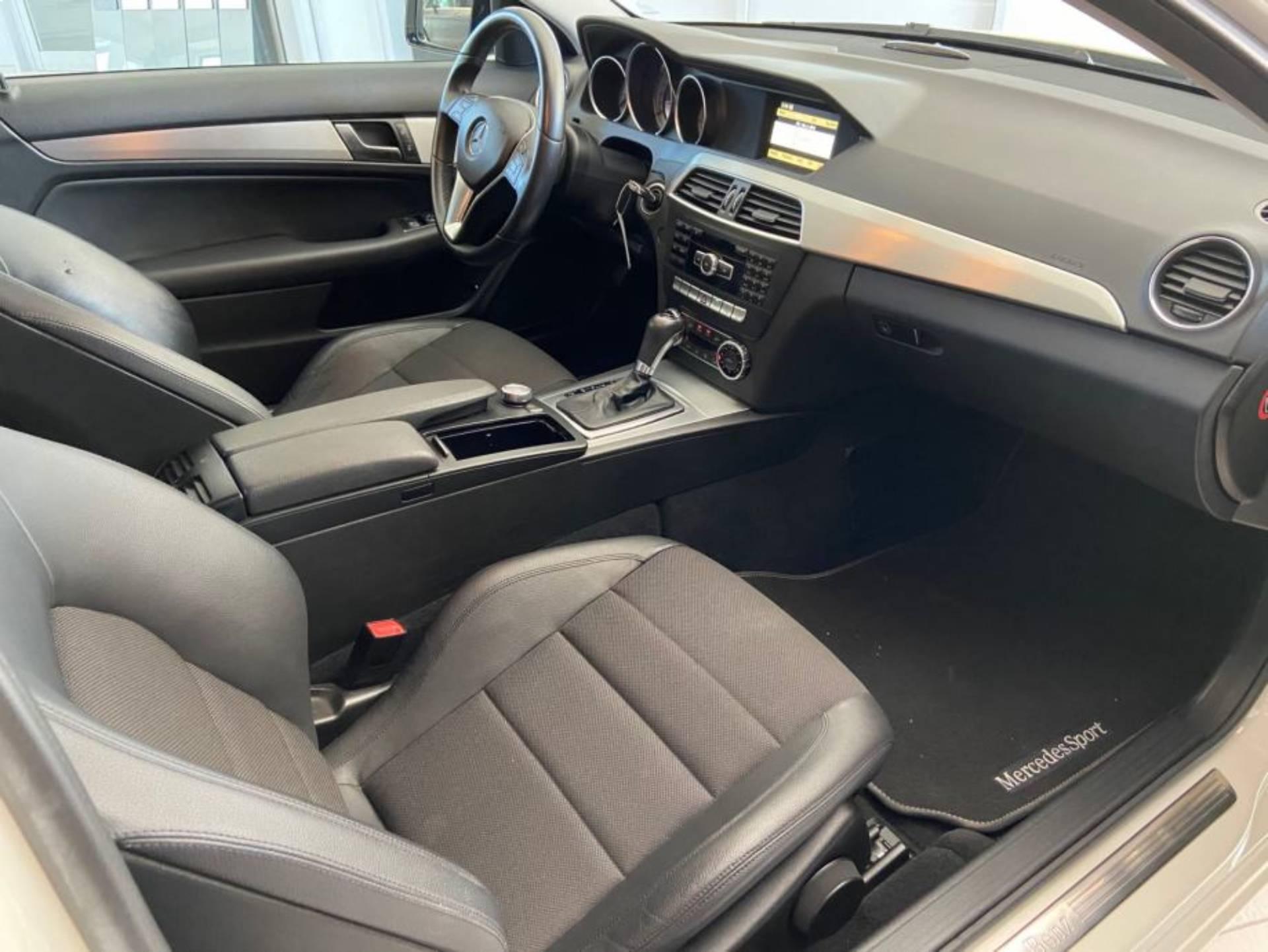 Mercedes Benz C 220 CDI COUPE AVANTGARDE