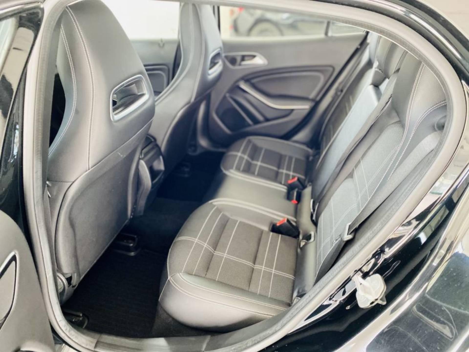 Mercedes-Benz GLA 200 CDI Urban 7G