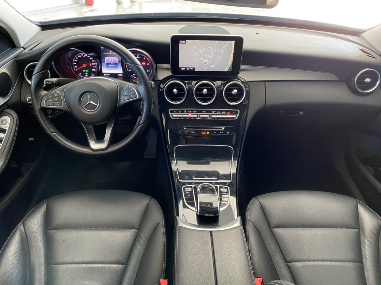 Mercedes-C220-d-AVANTGARDE