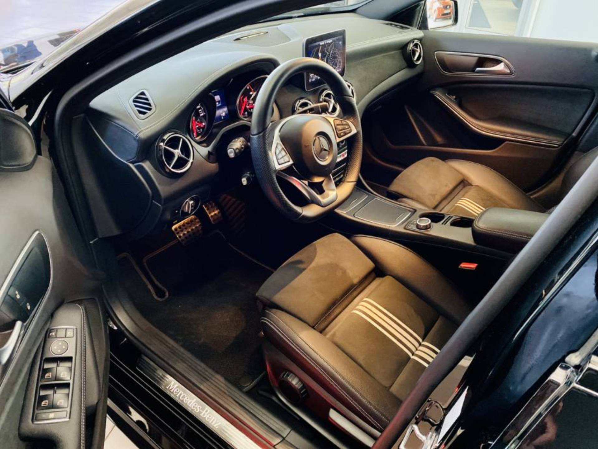 Mercedes-Benz A 200 d AMG Line 7G